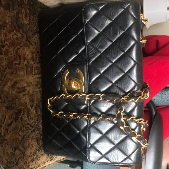 fc10a3fc38bc CHANEL Handbags - Beautiful vintage Chanel Lambskin Quilted Jumbo